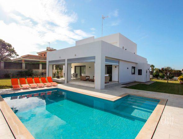 Alquiler casas costa de la luz vacaciones y turismo activo for La terraza de la casa encendida