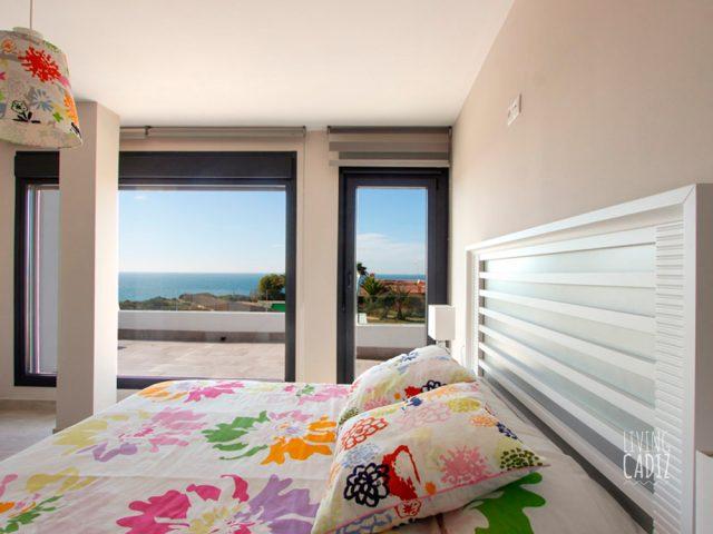 1º Dormitorio con cama doble