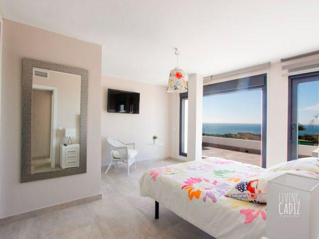 1º Dormitorio con cama doble (2)