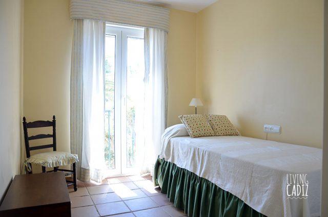 Dormitorio individual en planta superior (2)