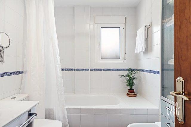 Cuarto de baño ensuite (2)