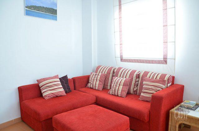 Sofá en sala de estar