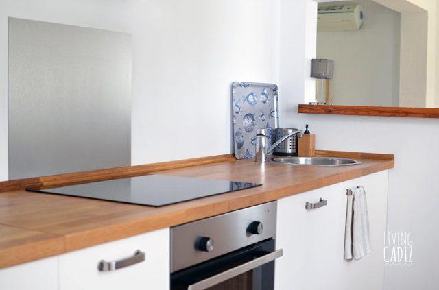 Cocina completa con vitro, lavavajillas, lavadora, secadora...