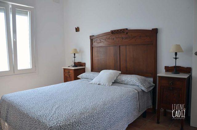 Dormitorio con cama matrimonio (2)